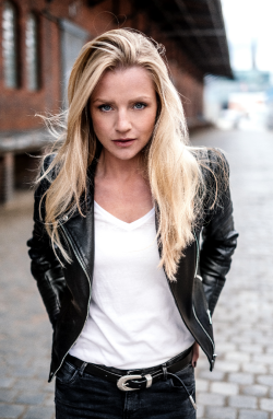 Kim-Sarah Brandts